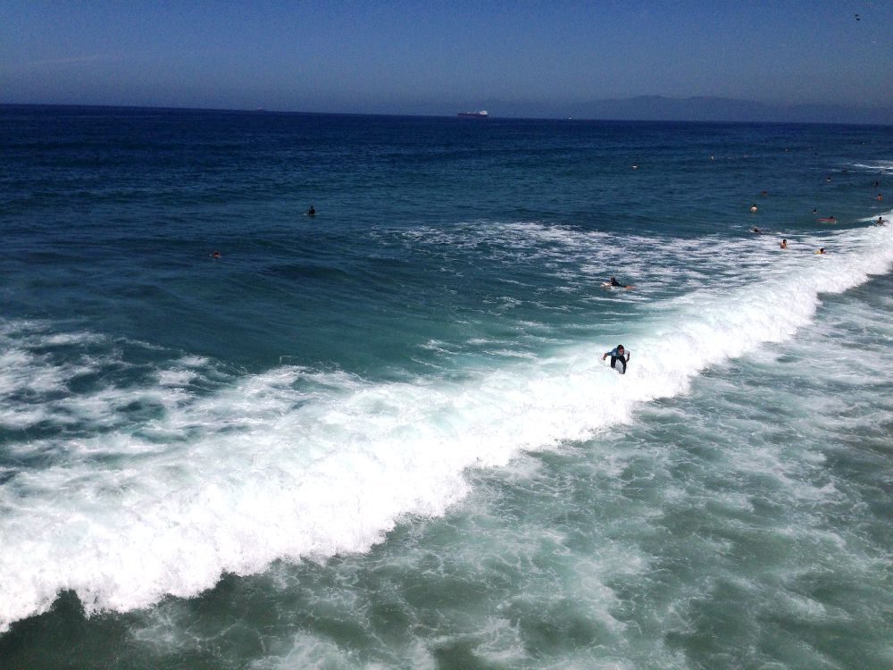 manhattan beach surfer