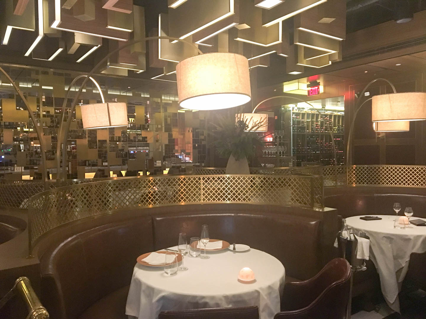 It reminded me of the lighting for the movie Le Divorce. & DC Dining: French American Mirabelle Restaurant